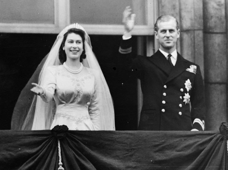 Фото №2 - Плохая партия: почему родители Елизаветы были против ее брака с принцем Филиппом
