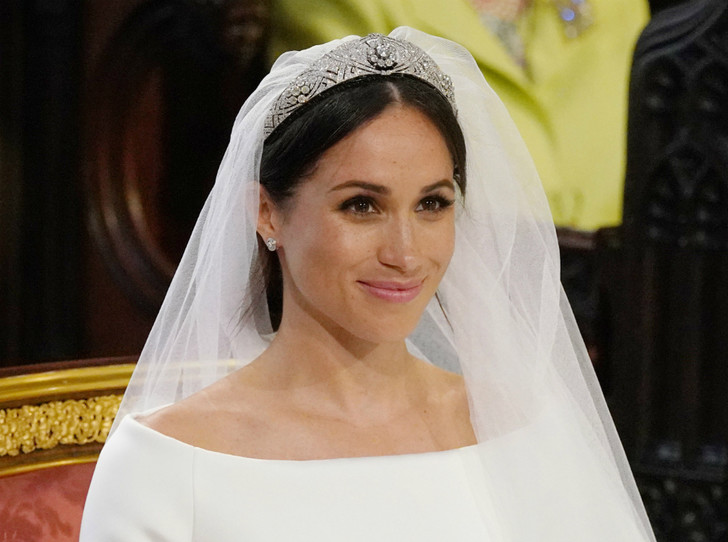 Фото №2 - Почему герцогиня Кейт носит королевские украшения чаще, чем Меган