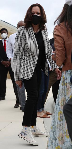 Фото №6 - Ролевая модель: как одевается вице-президент США Камала Харрис