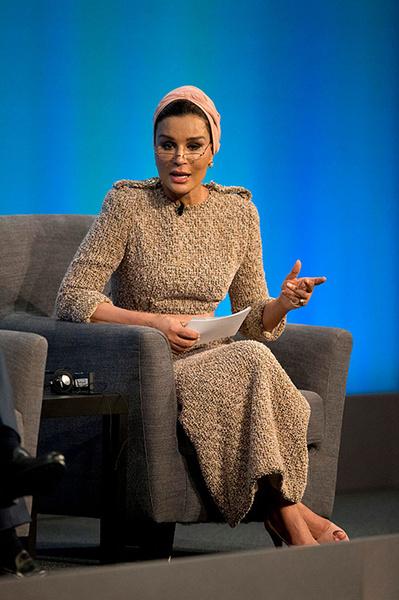 Фото №3 - Шейха Моза: арабская женщина, которую слушают все мужчины
