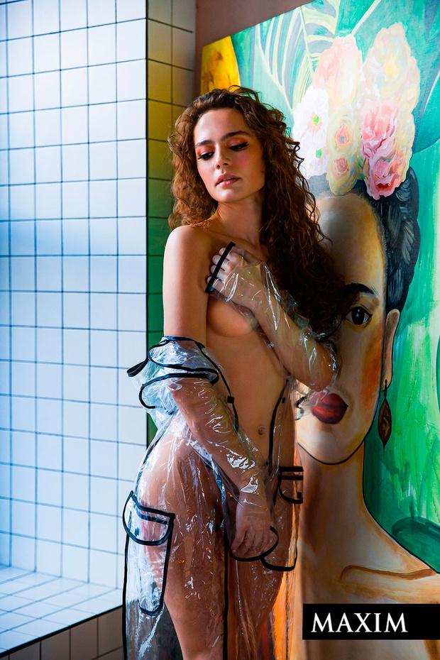 Фото №5 - Наш горячий эксклюзив! Кадры фотосессии Ангелины Поплавской в MAXIM, которые не печатались в журнале