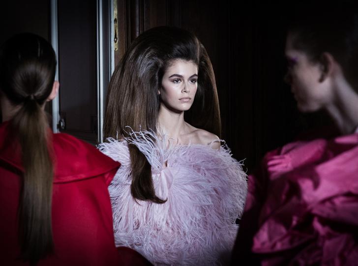 Фото №1 - Прекрасные странности в коллекции Valentino Couture FW18