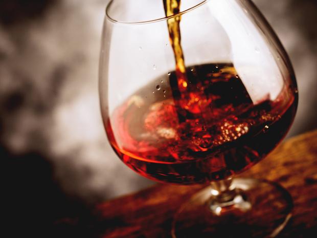 Фото №15 - Столовый этикет: как правильно подбирать бокалы под вино