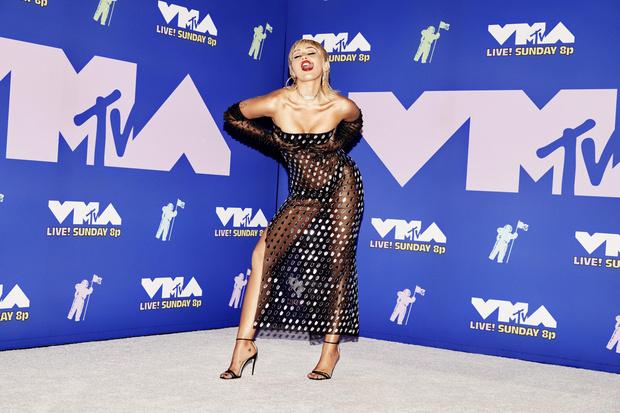 Фото №3 - MTV Video Music Awards 2020: лучшие и худшие наряды звезд на красной дорожке