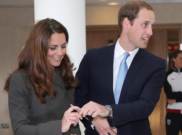 Фото №6 - Что говорят подписи Кейт Миддлтон и принца Уильяма об их браке?