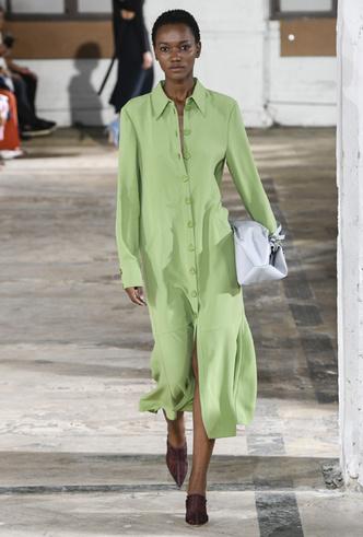 Фото №6 - Фисташка, шалфей и зеленый чай: как носить главную альтернативу цвету хаки