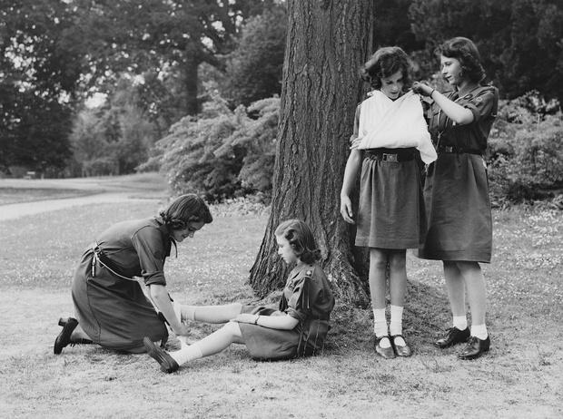 Фото №2 - Неизвестная Елизавета: откровения подруги детства Королевы