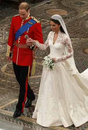 Фото №7 - Вдохновение для герцогини: чье свадебное платье скопировала Кейт Миддлтон