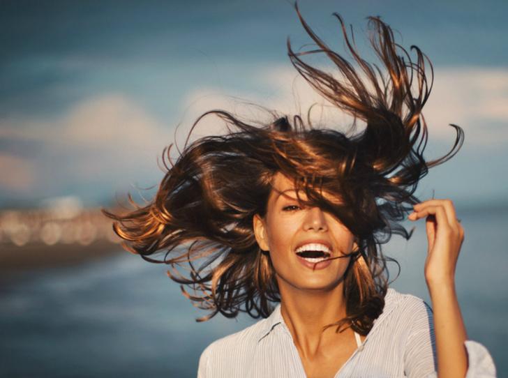 Фото №1 - Как подготовить волосы к отдыху на море