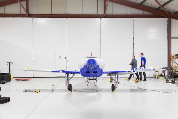 Фото №3 - Компания Rolls-Royce представила легкомоторный электрический самолёт