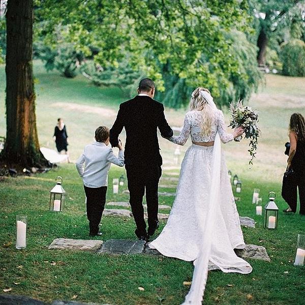 Фото №3 - Эшли Симпсон и Эван Росс наконец-то поделились свадебными фото