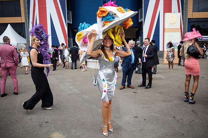 Фото №12 - Берегитесь женщин: яркие моменты 3-го дня на Royal Ascot 2017