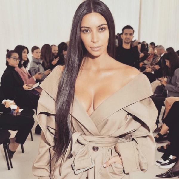 Ким Кардашьян вышла в свет без макияжа