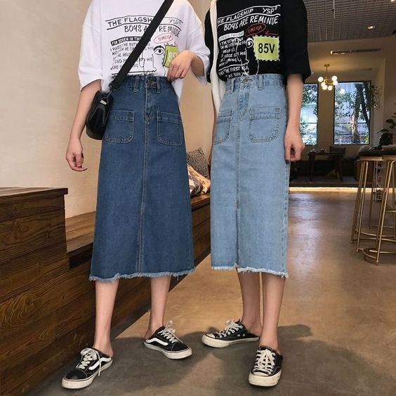 Фото №10 - С чем носить джинсовую юбку миди: 10 модных идей