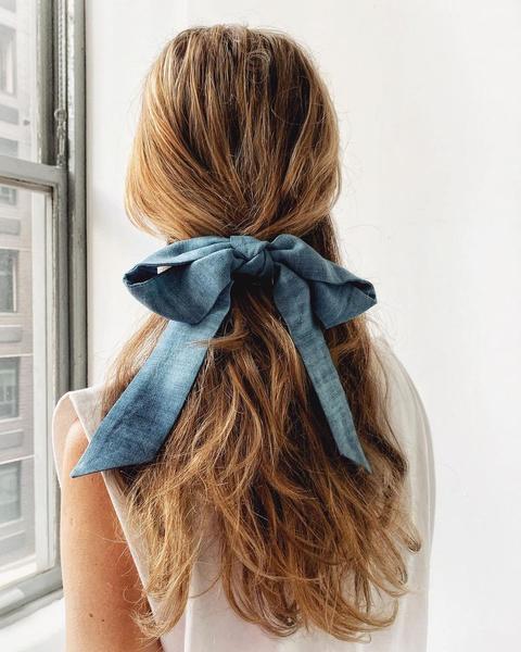 Фото №1 - Увидев их, ты отменишь стрижку! 30 красивых укладок для длинных волос