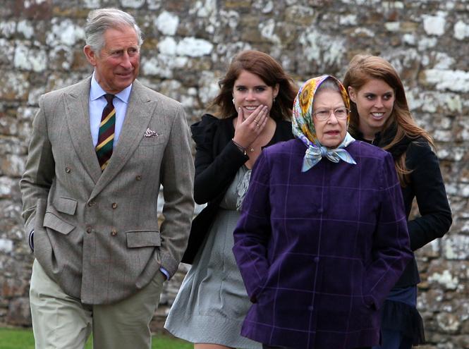 Фото №2 - Быть как Кейт Миддлтон: принцессы Беатрис и Евгения просятся на Королевскую службу