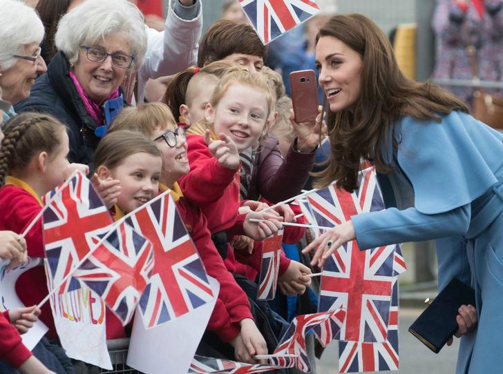 Фото №2 - Герцогиня Кембриджская «задумалась» о четвертом малыше