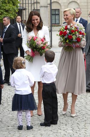 Фото №18 - Принцесса Шарлотта и принц Джордж: первые фото из Польши