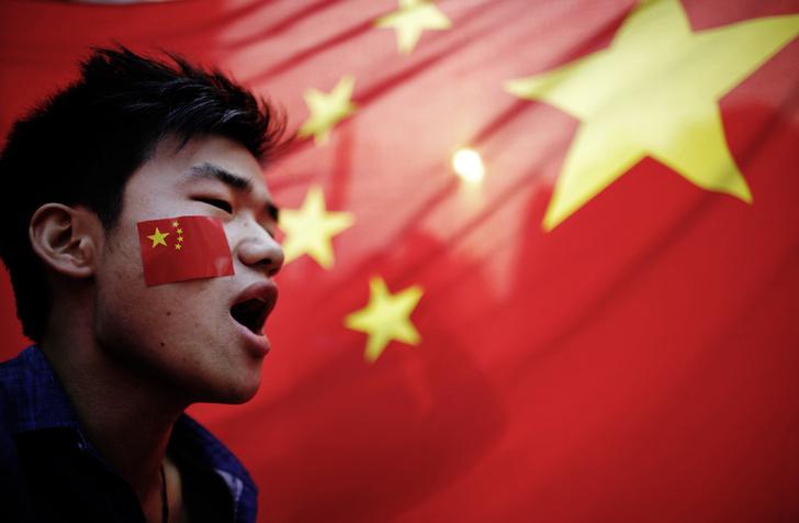 Фото №1 - Цифровой Мао: как в Китае роботы начали управлять людьми