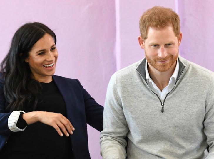 Фото №4 - Беременность Меган все еще удивляет принца Гарри