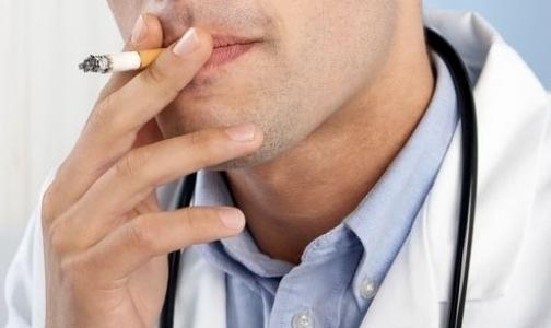 Фото №1 - Онищенко уличил российских медиков в курении