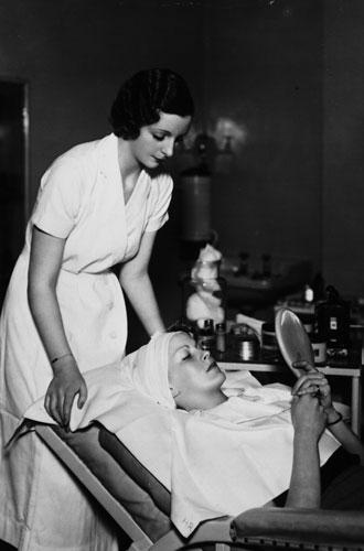Фото №3 - Как Элена Рубинштейн построила карьеру на мамином креме