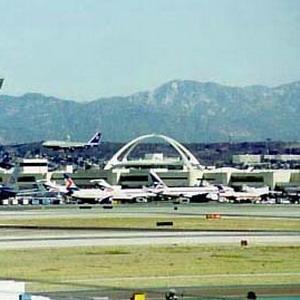 Фото №1 - Аэропорт Лос-Анджелеса подтопило
