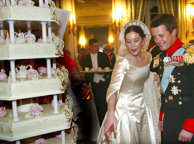 Фото №56 - Самые забавные моменты на королевских свадьбах (истории в фотографиях)