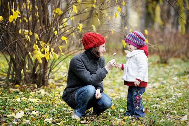 Фото №2 - Вместе весело шагать: идеи для осенних познавательных прогулок с детьми