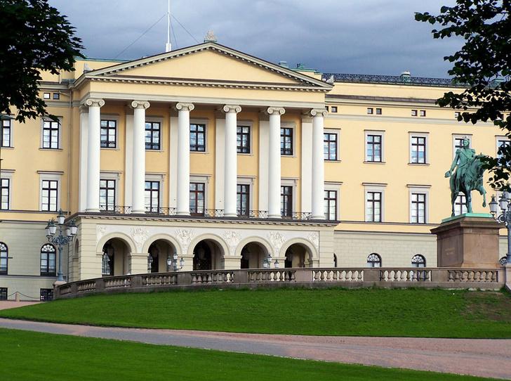 Фото №4 - Самые красивые королевские дома по всему миру