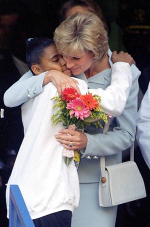 Фото №12 - Немецкие СМИ признали Кейт Миддлтон второй принцессой Дианой