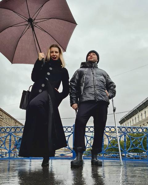Фото №2 - «Сделала одолжение»: жена Ромы Зверя рассказала, как на самом деле покорила музыканта