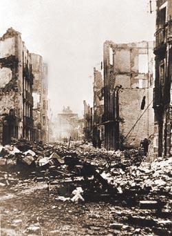 Фото №10 - Испания: католичество против коммунизма