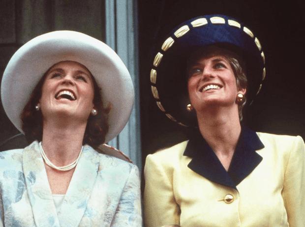 Фото №4 - Как принцесса Диана и Сара Фергюсон разыграли обитателей Букингемского дворца