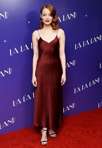 Фото №14 - Эмма Стоун: 10 лучших нарядов самой богатой актрисы Голливуда