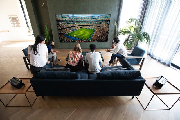 Фото №3 - Телевизор-галерея: новый взгляд на технологии в интерьере