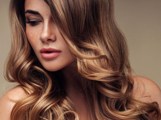 Фото №1 - Как решить проблему с выпадением волос с помощью мезотерапии