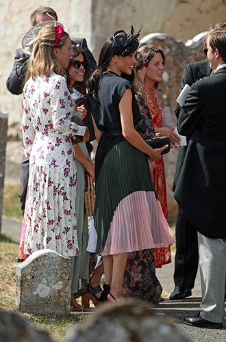 Фото №8 - Меган Маркл и принц Гарри на свадьбе друзей