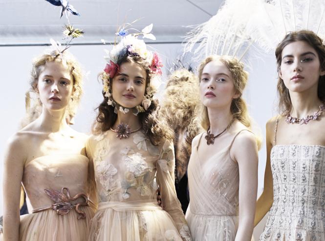Фото №2 - Самые интересные beauty-тренды haute couture сезона весна-лето 2017