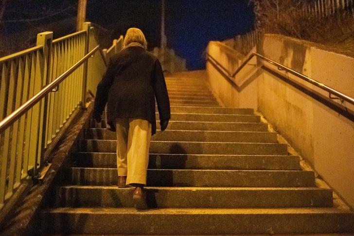 Фото №1 - Обнаружена связь между одиночеством и деменцией