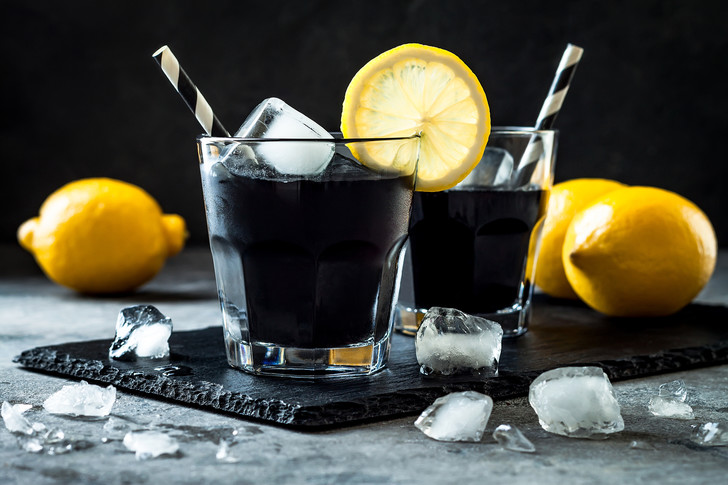 Фото №4 - Вы пьете их каждый день: напитки, которые вреднее газировки