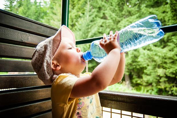 Фото №3 - Чем поить ребенка в летнюю жару