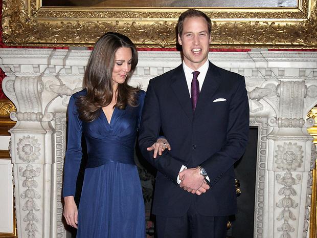 Фото №3 - Еще не герцогиня: каким был первый официальный выход Кейт в качестве невесты принца