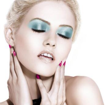 Фото №2 - Colorama by Maybelline New York: для естественного и подиумного макияжа