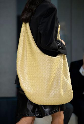 Фото №42 - Самые модные сумки весны и лета 2020