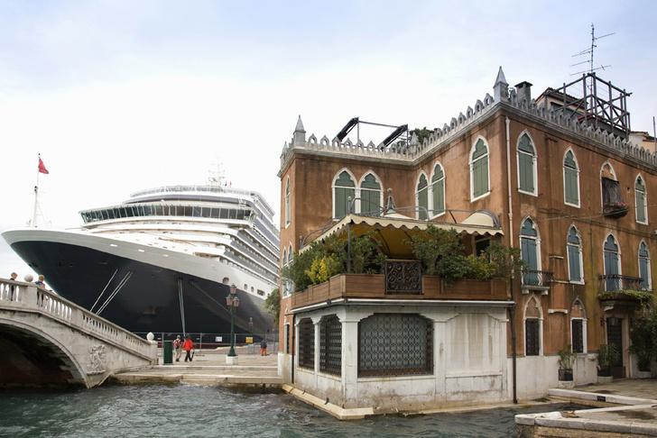 Фото №1 - Круизные лайнеры перестанут заходить в Венецию