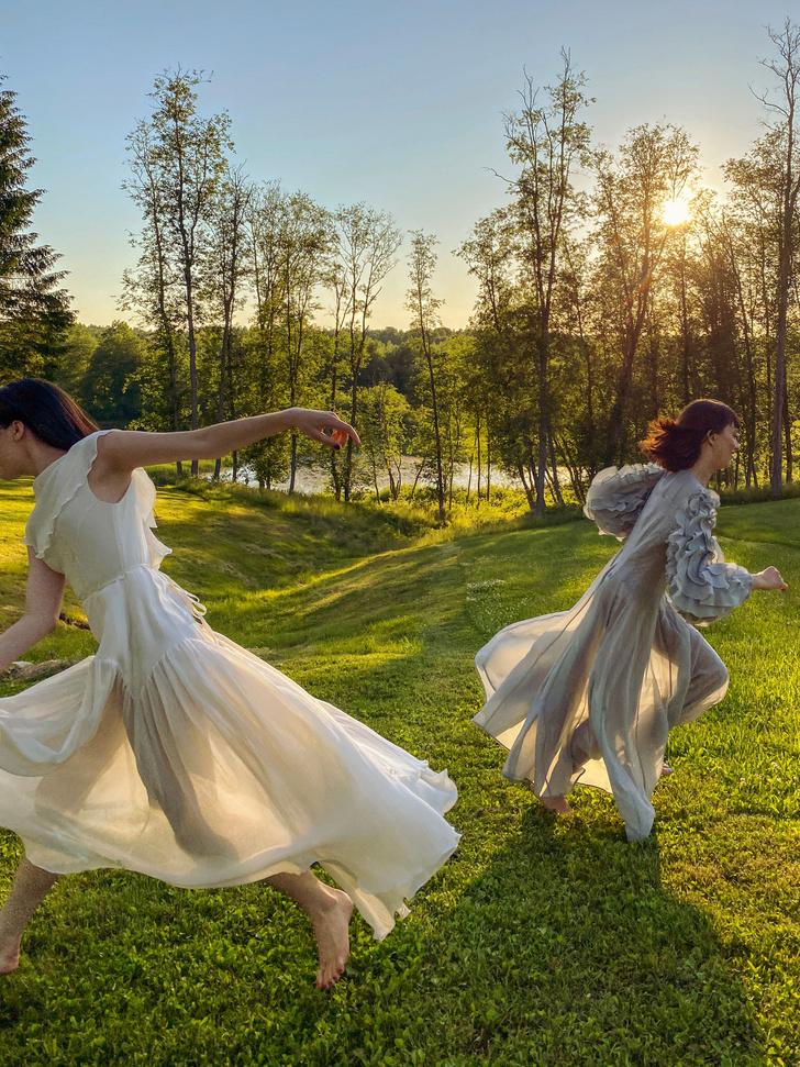 Фото №6 - Идеальные выходные на даче с сестрами Настей и Ариной Шевцовыми