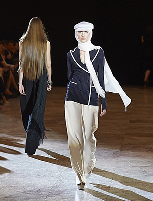 Фото №4 - JEAN PAUL GAULTIER представил коллекцию haute couture в Санкт-Петербурге