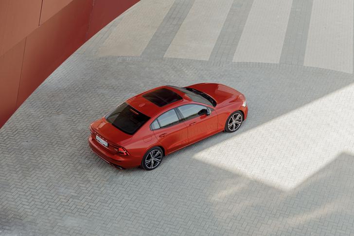 Фото №11 - Volvo S60: взгляд с высоты