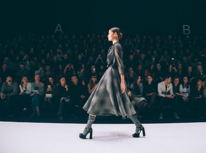 Фото №11 - Второй день Mercedes-Benz Fashion Week Russia 2017